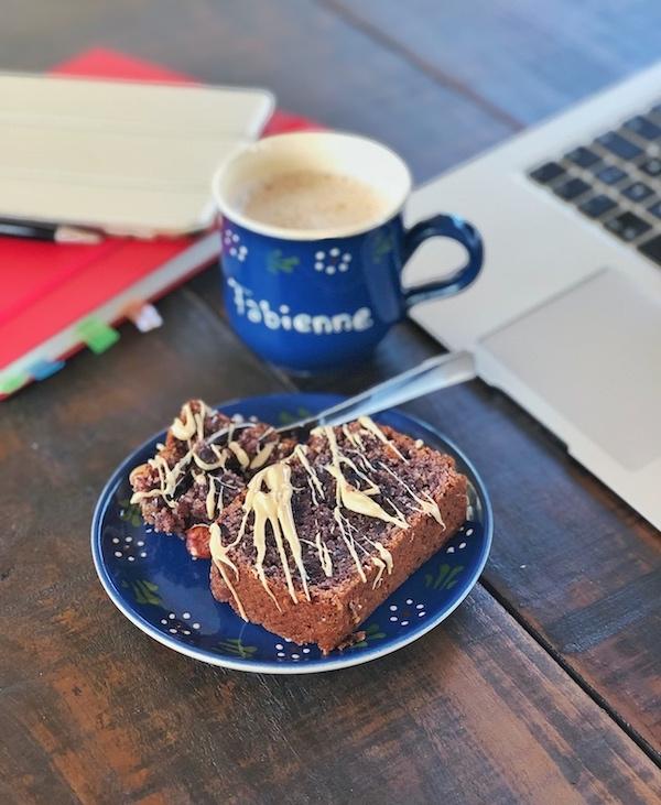Jam Cake with roasted hazelnuts served with coffee