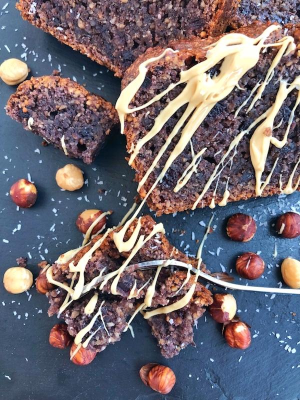 Jam Cake with roasted hazelnuts
