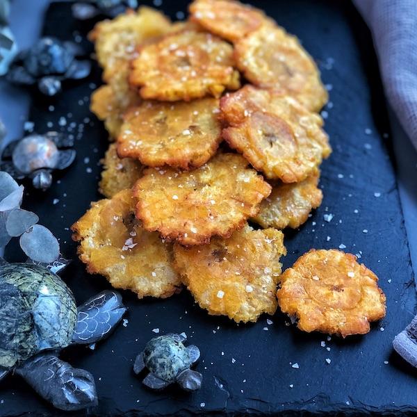 Patacones (plátano verde frito)